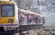 Drunk naked woman creates havoc in Mumbai local train