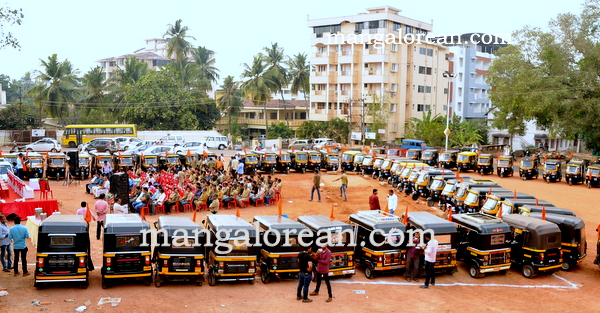 Mangaluru: Prof Puranik Inaugurates Bajrang Dal Auto Drivers and Owners Unit