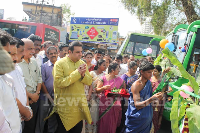 Pramodh Madhwaraj flags off KSRTC-10